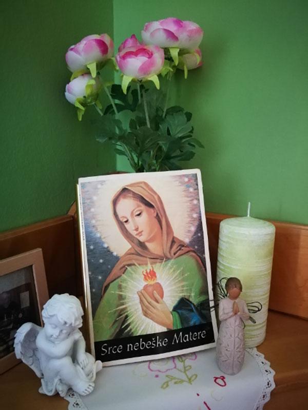 Marijin oltarček